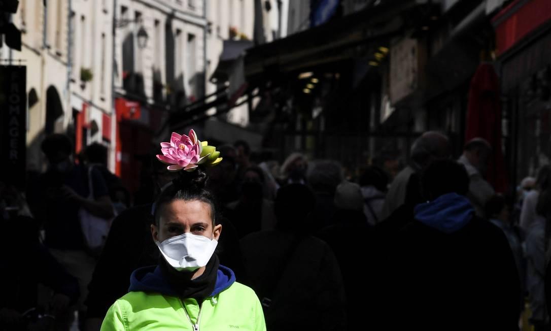 França está há 47 dias com restrição de circulação e vai relaxar confinamento a partir de 11 de maio Foto: ALAIN JOCARD/AFP