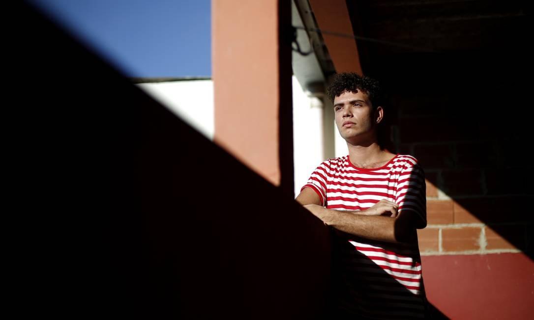 Lucas Portugal, 20 anos, desempregado, sonha em fazer faculdade Foto: Fabio Rossi / Agência O Globo