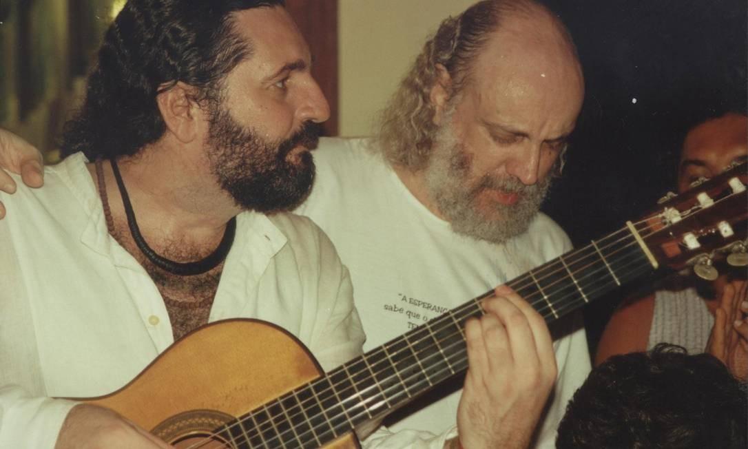 Moacyr Luz e Aldir Blanc, em fevereiro de 2002 Foto: Arquivo