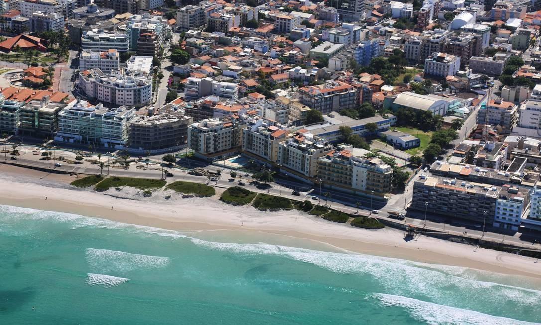 A Praia do Forte, em Cabo Frio, registrada no dia 24 de abril Foto: Ernesto Galiotto /