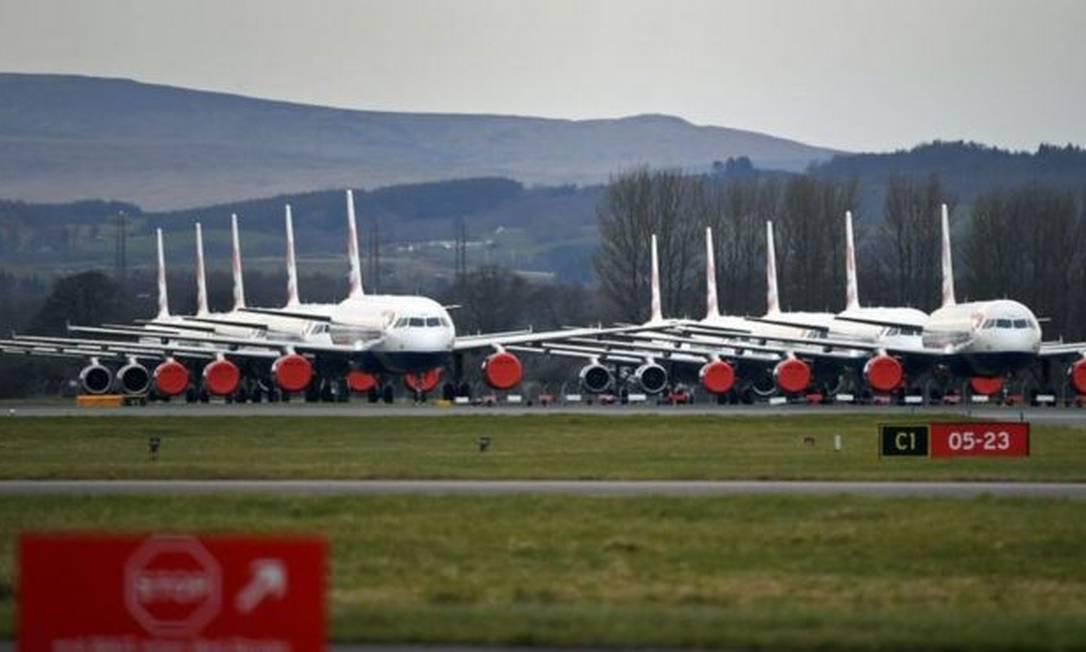 O número de voos diários caiu 80% desde o início do ano no mundo Foto: GETTY IMAGES