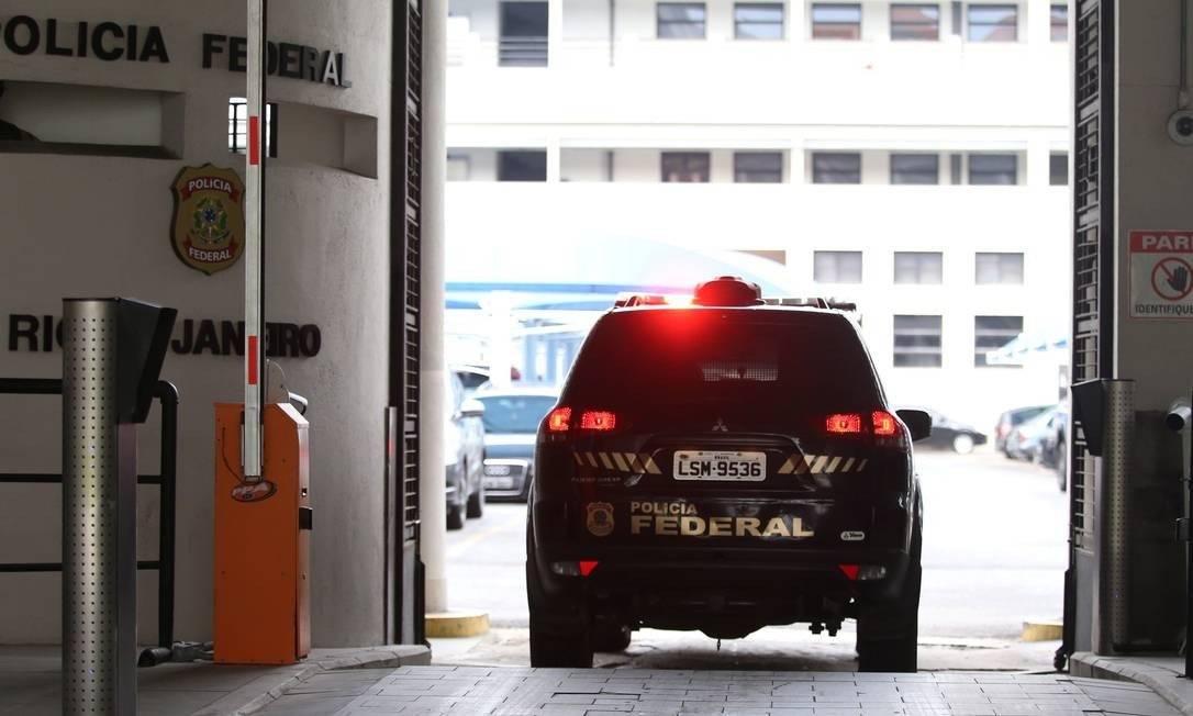 O 'caiu para cima' da Polícia Federal Foto: Fabiano Rocha / Agência O Globo
