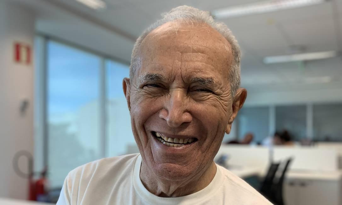 Guilherme Alves da Costa, mais antigo funcionário do Sistema Globo de Rádio, morreu no Rio vítima da Covid-19 Foto: Beatriz Moura / Arquivo pessoal