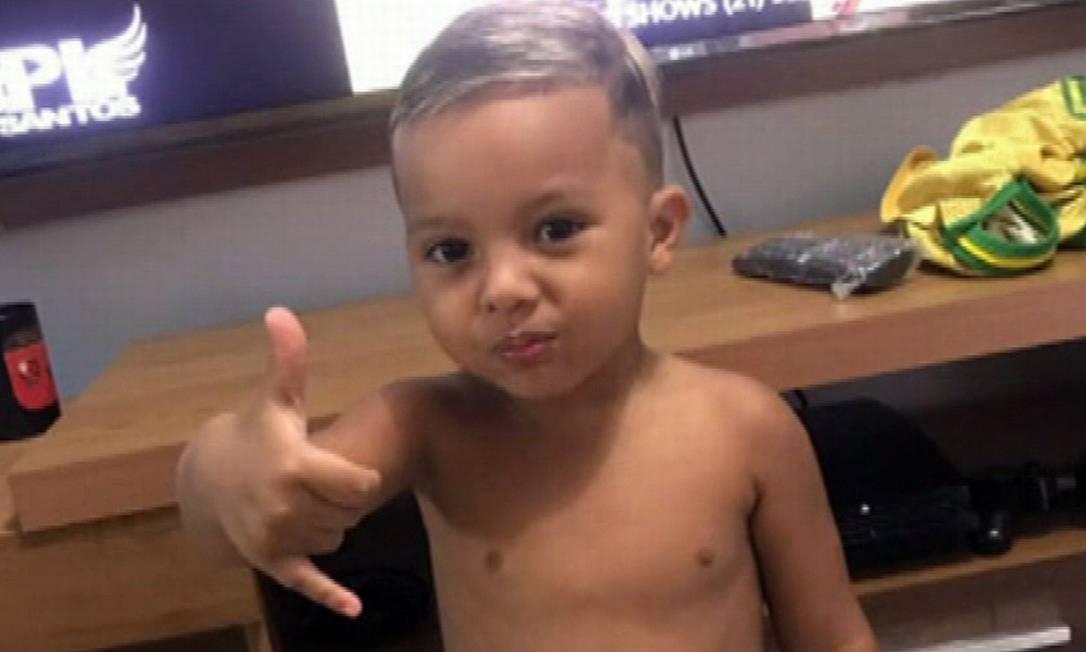 O menino Rhyan, de 4 anos, morte por suspeita de coronavírus Foto: Reprodução TV Globo