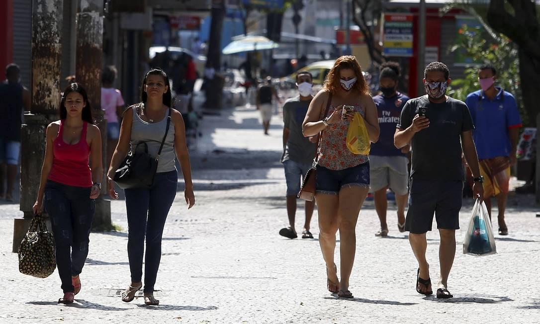 O Calçadão de Campo Grande vem apresentando altos índices de aglmoeração Foto: Fabiano Rocha / Agência O Globo / 01-05-2020