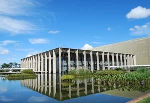 O Palácio do Itamaraty, em Brasília: Para autores, atual política 'ameaça arrastar o Brasil a conflitos com nações com as quais mantemos relações de amizade e mútuo interesse' Foto: Reprodoução MRE