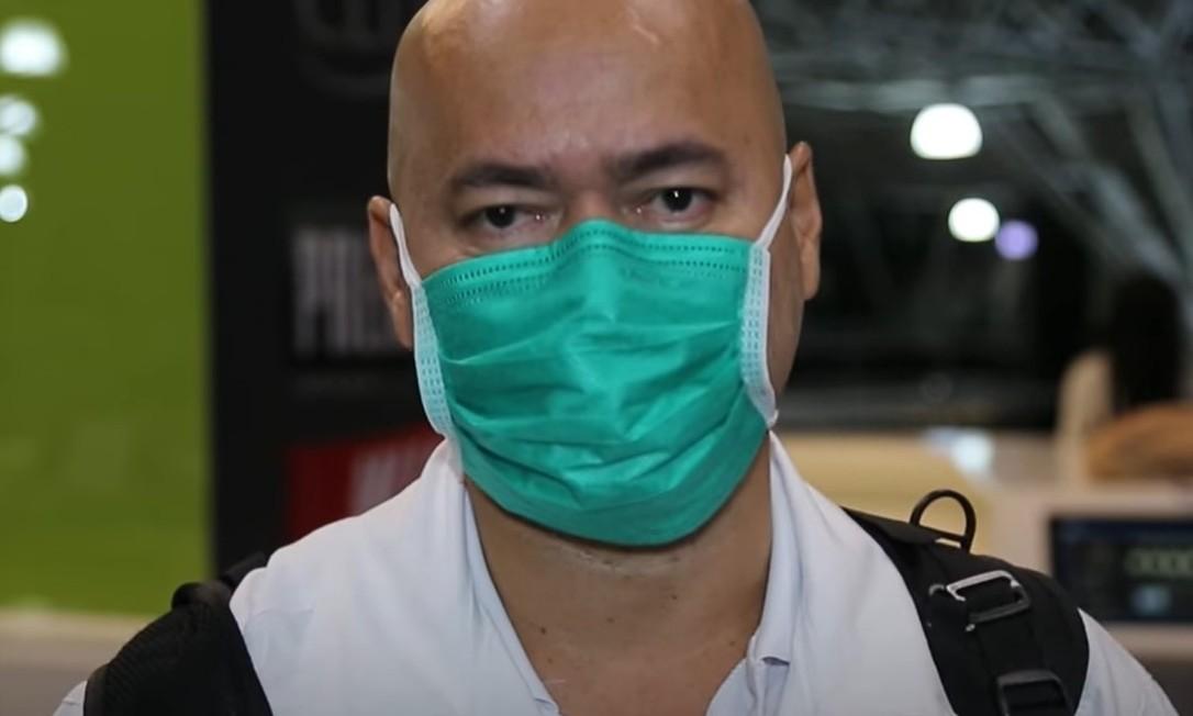 Adriano Araújo, de 49 anos, segue trabalhando no combate ao coronavírus Foto: Reprodução