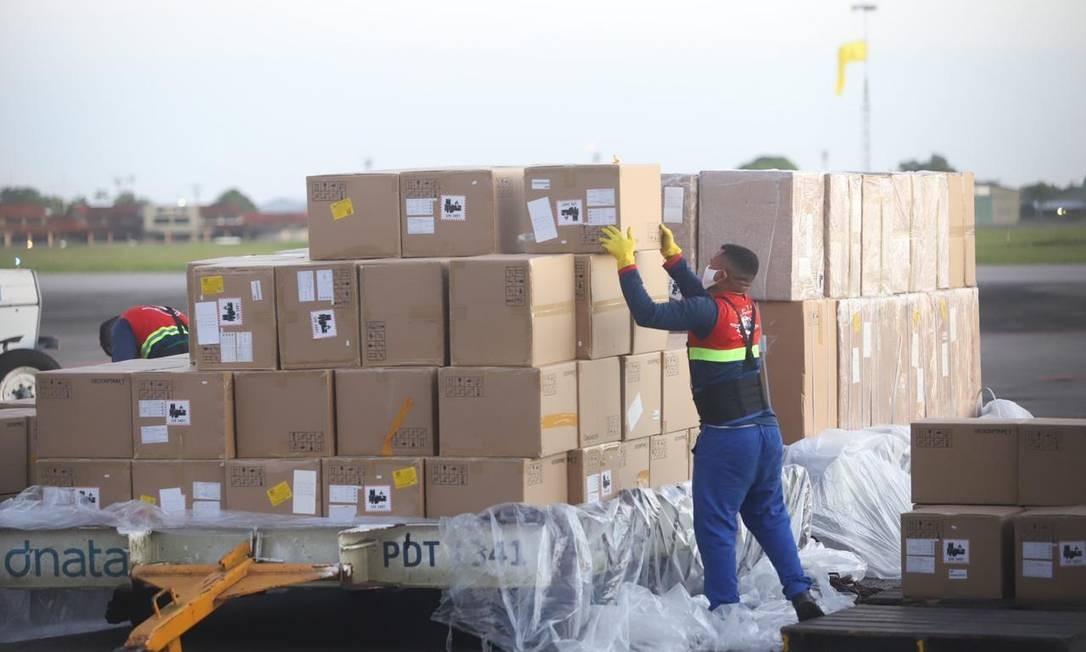Respiradores foram descarregados, na segunda-feira, no Aeroporto Internacional de Belém (PA) Foto: Divulgação/ Agência Pará
