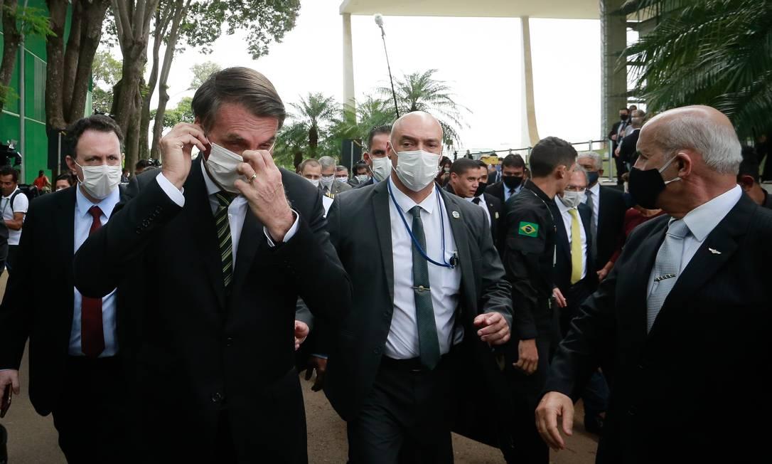 Pressão. Presidente Jair Bolsonaro vai até o STF para se reunir com os ministros e pedir a abertura do comércio Foto: Pablo Jacob / Agência O Globo