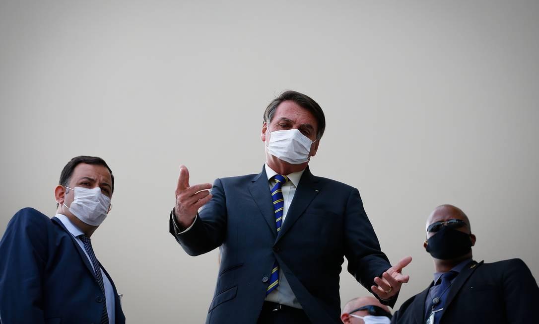 Bolsonaro sai na rampa do Planalto para falar com apoiadores e a imprensa 12/05/2020 Foto: Pablo Jacob / Agência O Globo