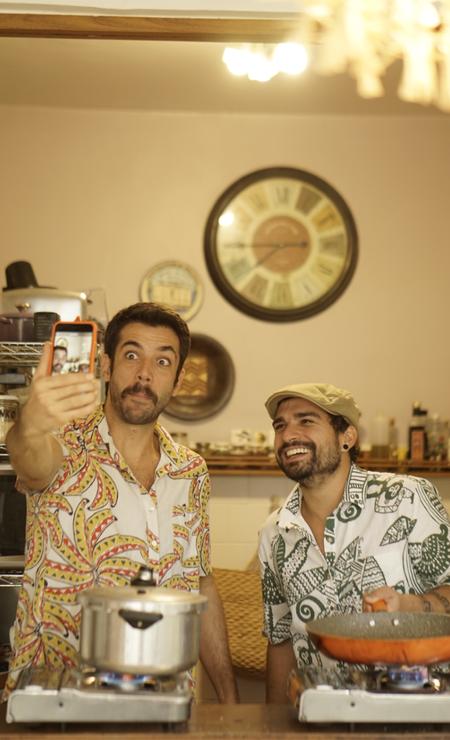 David Ferolla e Diogo Zaverucha , do Cuca Live: público arremata prato feito ao vivo Foto: Divulgação