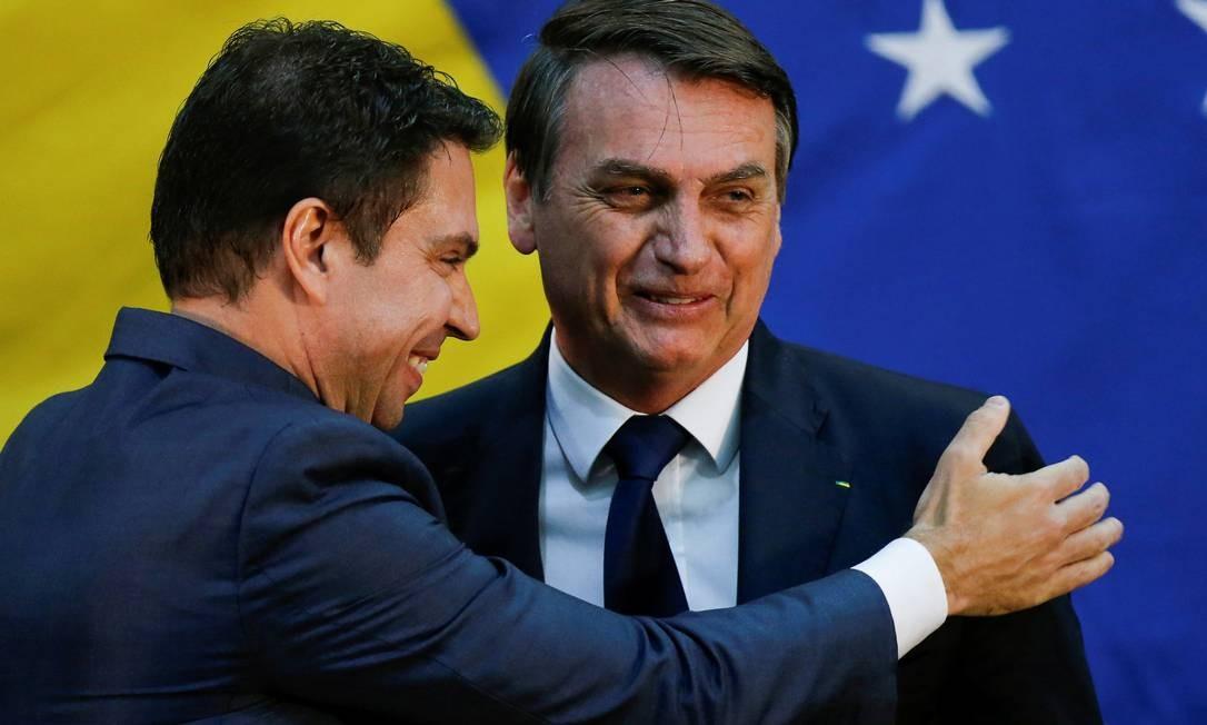 O presidente Bolsonaro e o diretor da Abin, Alexandre Ramagem Foto: Adriano Machado / Reuters 11/07/2019