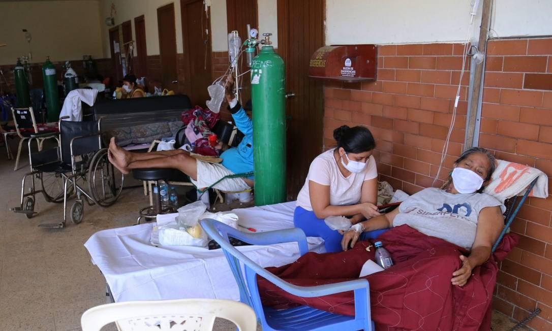 Pacientes com Covid-19 são tratados em Iquitos, maior cidade da Amazônia peruana Foto: CESAR VONBANCELS / AFP