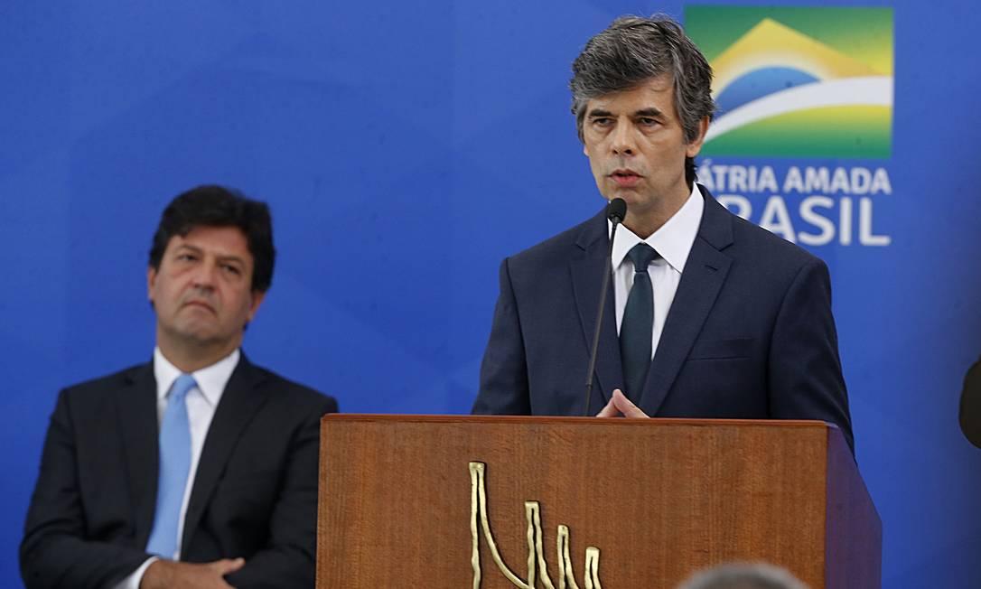 Ex-ministros da Saúde Luiz Henrique Mandetta e Nelson Teich Foto: Jorge William / Agência O Globo