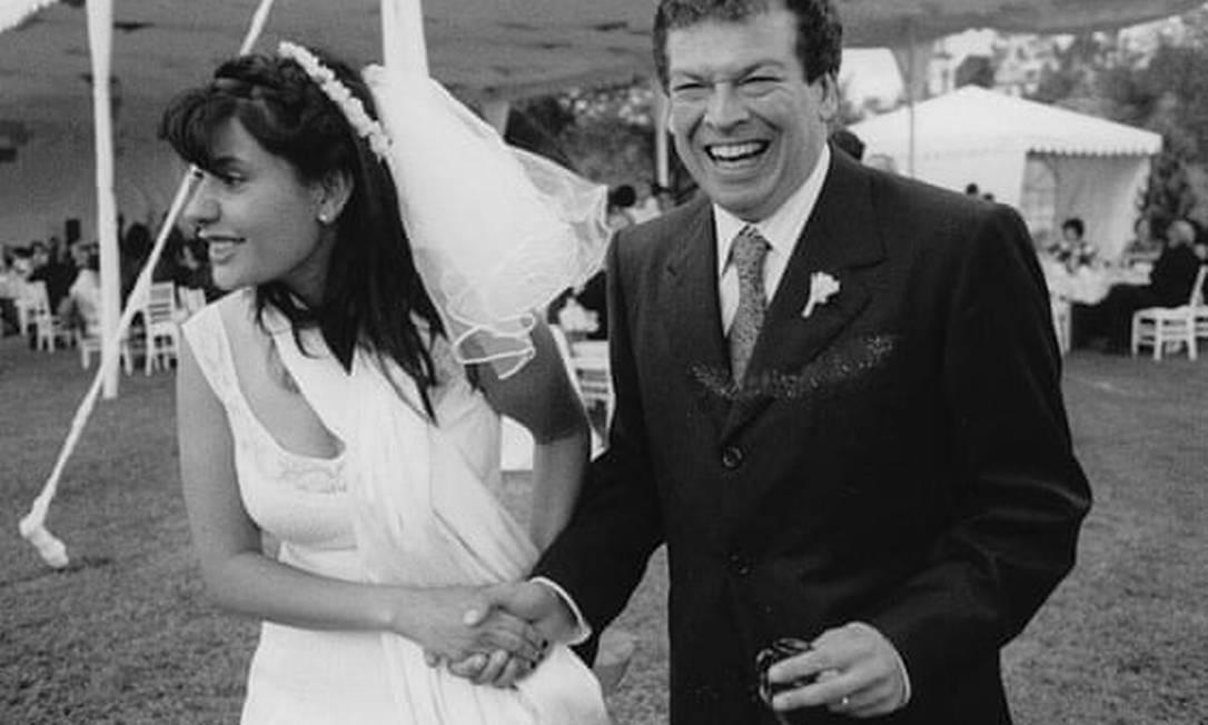 Aura e Francisco Goldman no dia do casamento, em 2005 Foto: Rachel Cobb