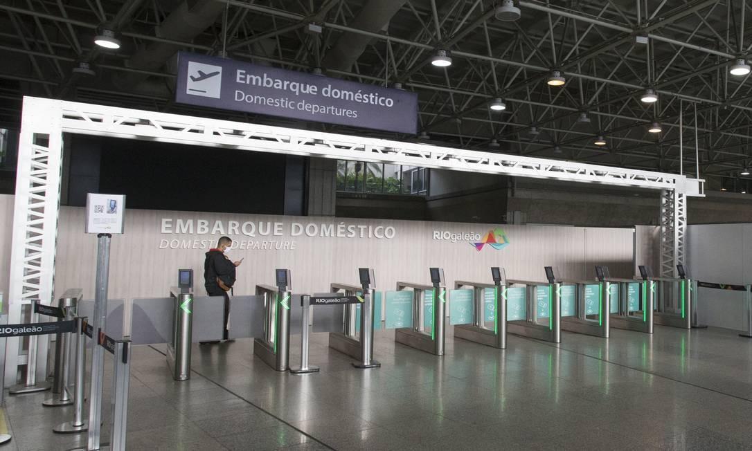 Conversas com concessionárias de aeroportos privados, como o Galeão, estão avançadas. As empresas já conseguiram adiar R$ 2 bilhões em pagamento de outorgas para dezembro Foto: ASI / Agência O Globo