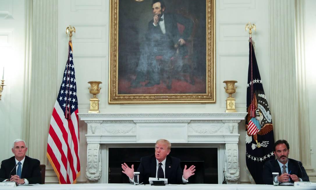 Donald Trump durante reunião na Casa Branca Foto: LEAH MILLIS / REUTERS