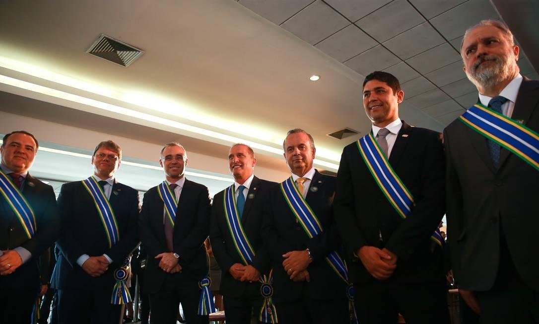 André Mendonça, Augusto Aras e ministros agraciados: R$ 48,7 mil só de decoração Foto: José Cruz/Agência Brasil