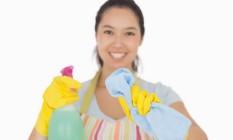 Água sanitária se mostrou eficaz para desinfetar superfícies e objetos Foto: Banco de imagens