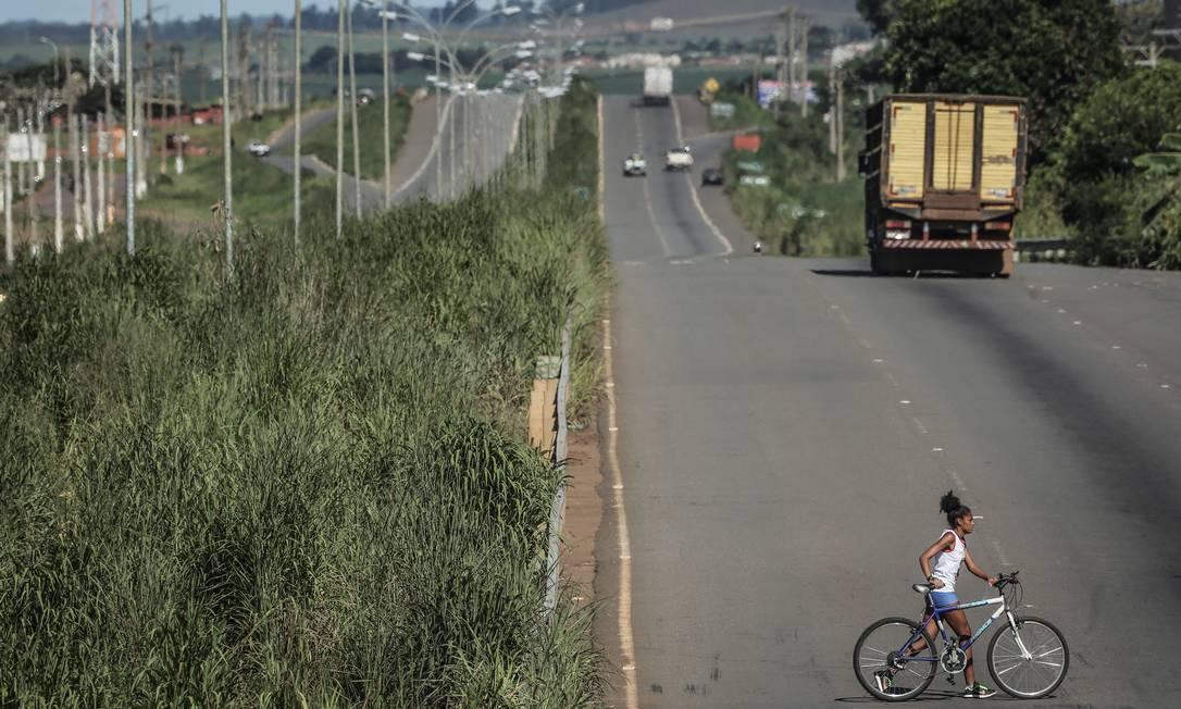 Trecho da rodovia BR-153, em Anápolis (GO), que o governo pretende leiloar neste ano Foto: André Coelho / Agência O Globo
