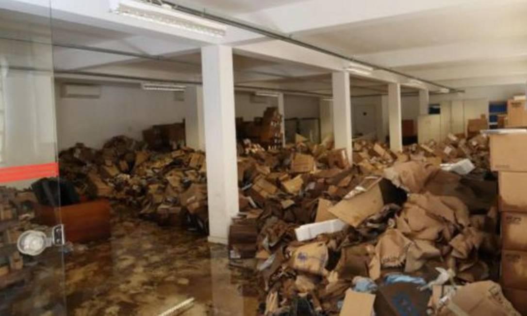 Foto enviada para a reportagem via Lei de Acesso à Informação mostra sala da Cinemateca, na Vila Leopoldina, após enchente em fevereiro Foto: CINEMATECA BRASILEIRA/DIVULGAÇÃO