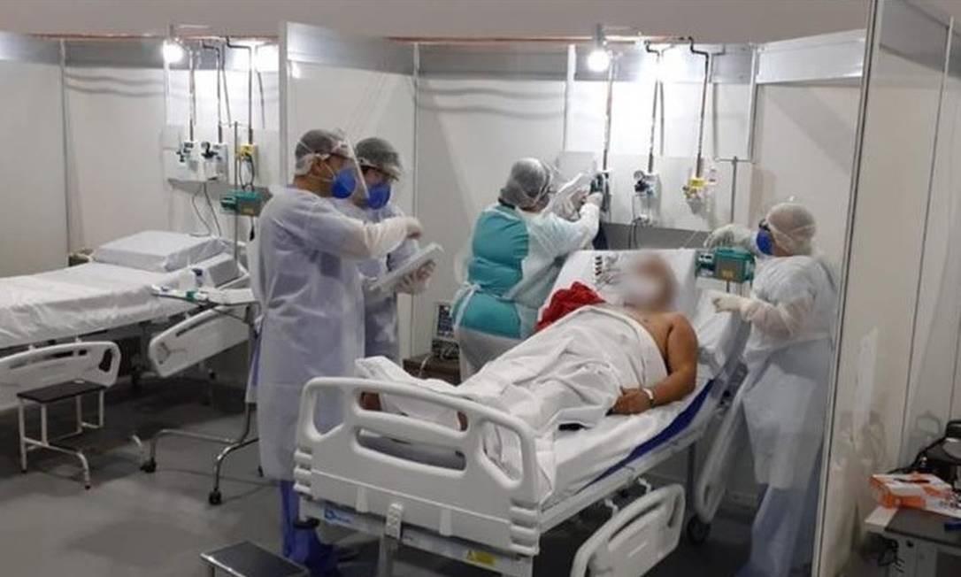 Hospital de campanha da prefeitura, no Riocentro: hoje, há fila por leitos de enfermaria e UTI, tanto no município, quanto no estado, onde número de casos já passa dos 32 mil Foto: Divulgação / Prefeitura do Rio