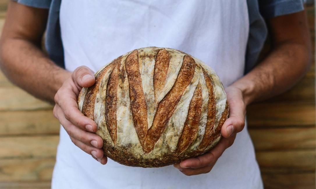 O pão de Campanha da Araucária Pães: a empresa voltou a atender pessoas físicas depois de três anos entregando para restaurantes Foto: Divulgação/ Luiza Chataignier