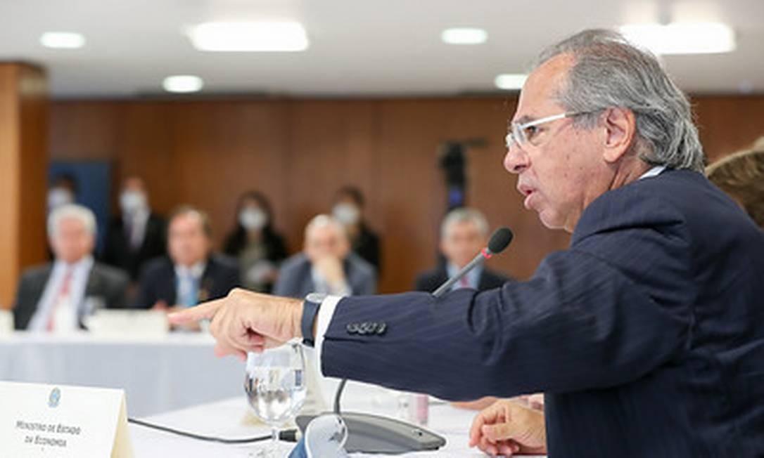 Em reunião com Bolsonaro, Guedes defende venda do Banco do Brasil Foto: Marcos Correa / Divulgação 22/04/2020