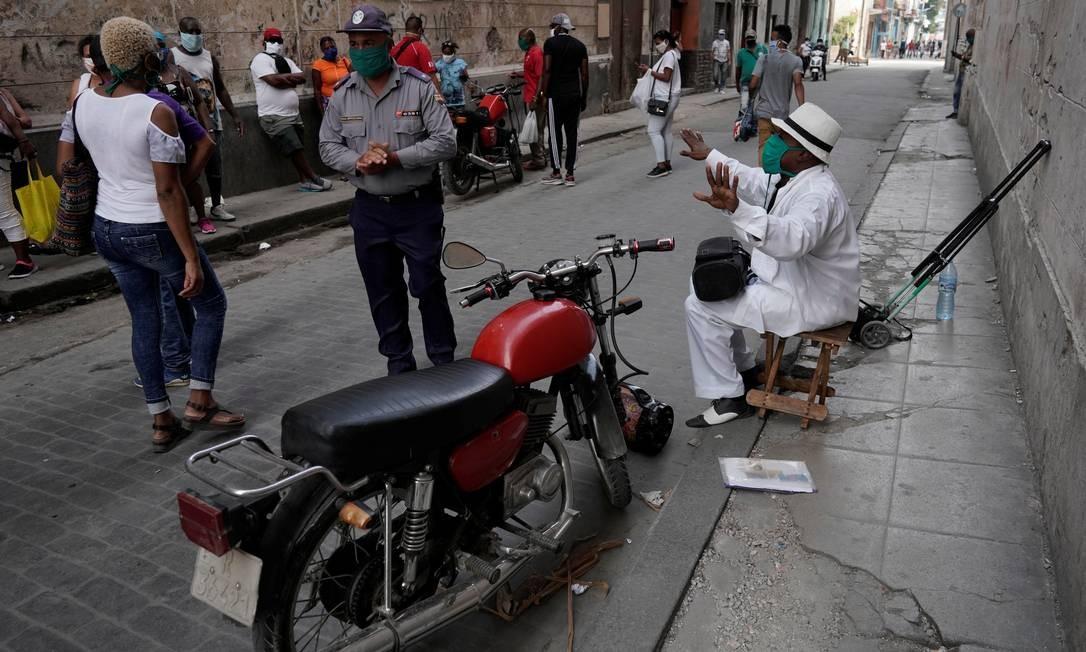 Cubanos têm registrado sucesso no combate à Covid-19 Foto: ALEXANDRE MENEGHINI / REUTERS