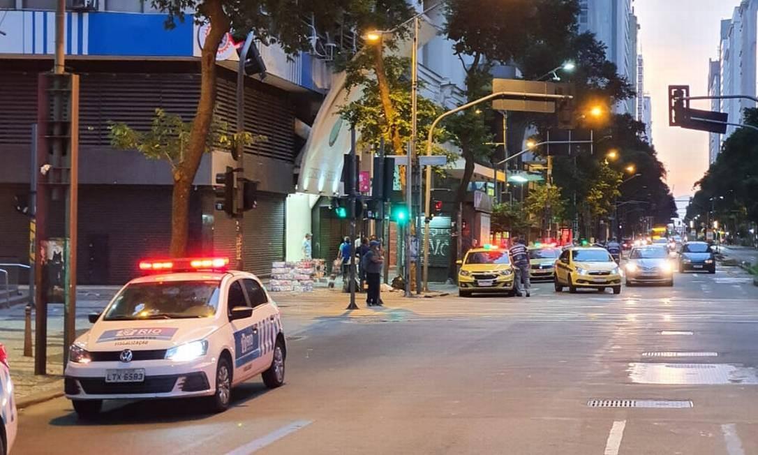 Prefeitura realiza fiscalização de táxis e transportes por aplicativo Foto: Divulgação SMTR