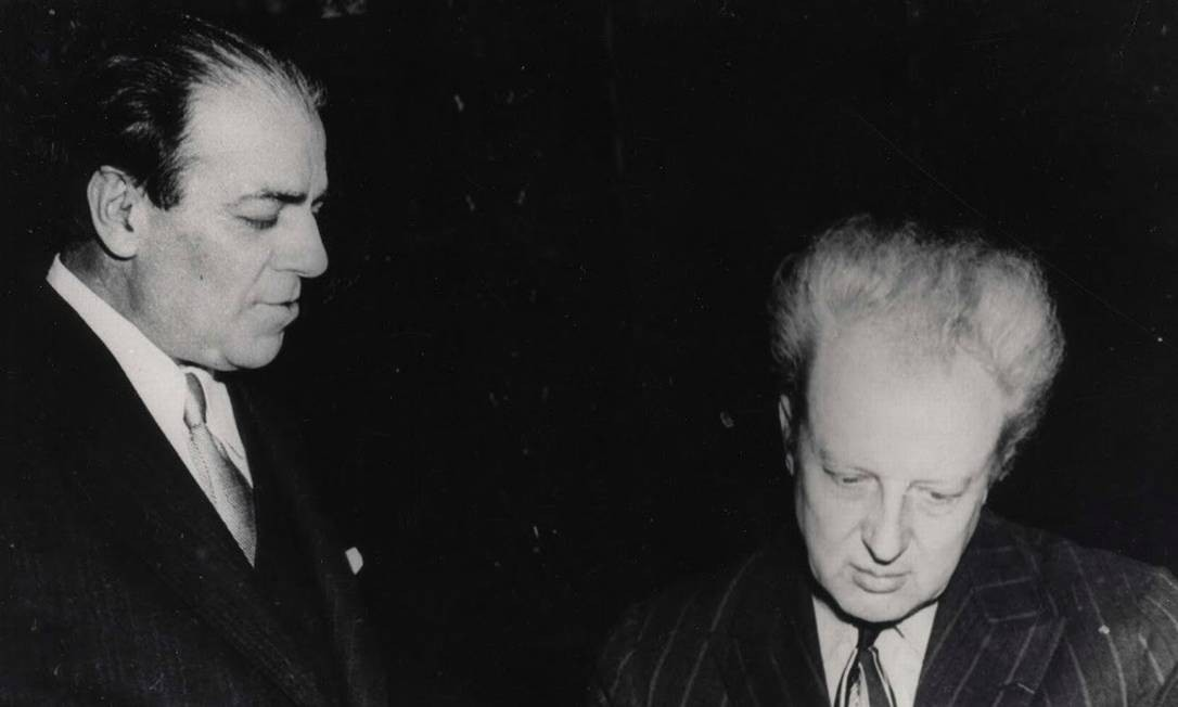 Heitor Villa-Lobos e o maestro Leopold Stokowski Foto: Reprodução