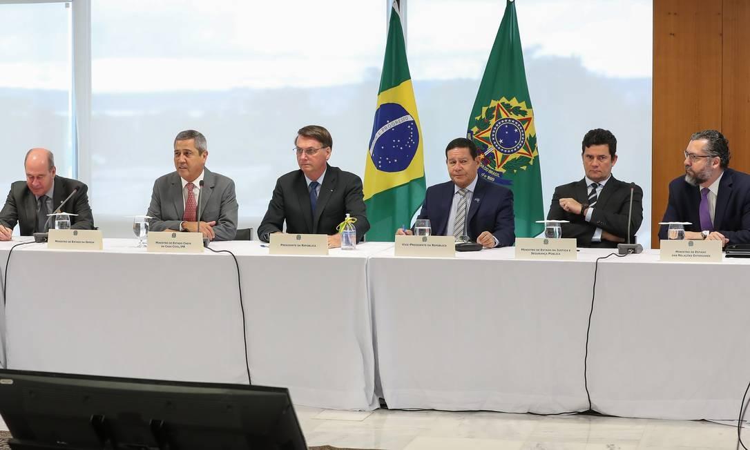 Nenhum dos presentes fez qualquer tentativa de reparo ou crítica aos absurdos que foram disparados pelo presidente Jair Bolsonaro e alguns de seus ministros Foto: Marcos Correa / Agência O Globo