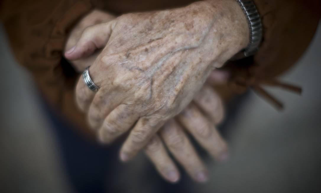 Mais vulneráveis às complicações da Covid-19, idosos são 15% da população e provedores de 15 milhões de domicílios Foto: Márcia Foletto / Agência O Globo