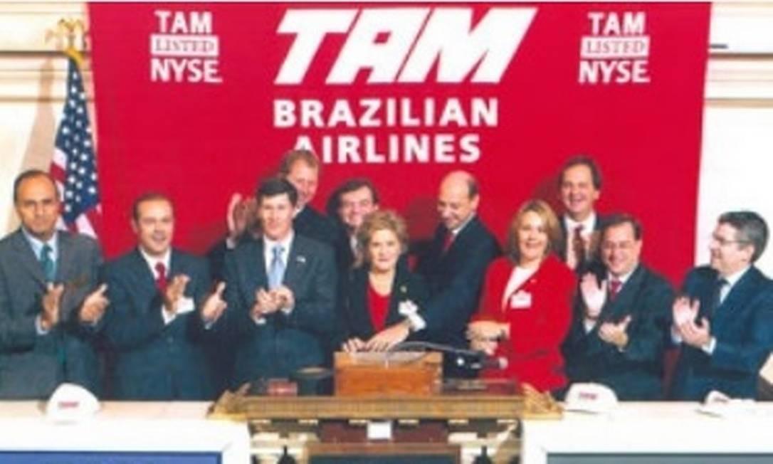Em 2005, a TAM abre capital na Bolsa de Valores de São Paulo (ex-Bovespa). No ano seguinte, a companhia abriu capital em Nova York Foto: Divulgação