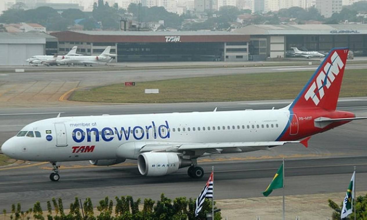 Em 2013, TAM escolhe a Oneworld como aliança global, em detrimento da Star Alliance Foto: Reprodução