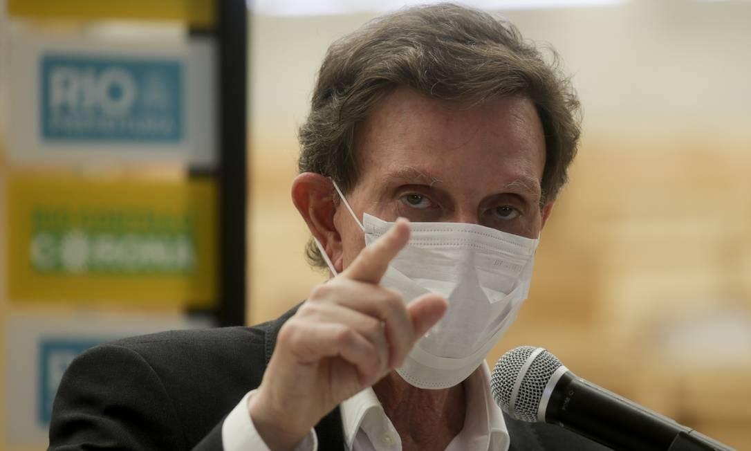 Crivella vai discutir planos de reabertura do comércio Foto: Gabriel de Paiva / Agência O Globo