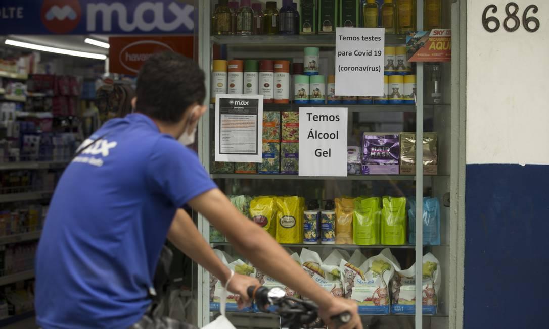 Drogaria no Leblon anuncia serviço de teste diagnóstico para Covid-19 Foto: Márcia Foletto / Agência O Globo