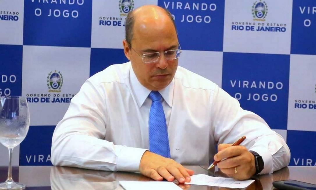 O governador Wilson Witzel publicou as exonerações em edição extra no Diário Oficial Foto: Divulgação