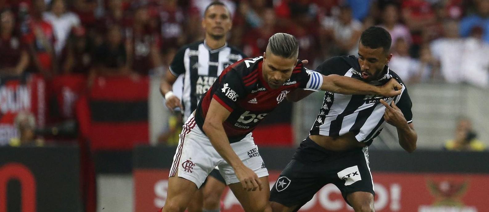 Flamengo, de Diego, e Botafogo representam opostos nas finanças Foto: Vitor_Silva / Vitor Silva/Botafogo