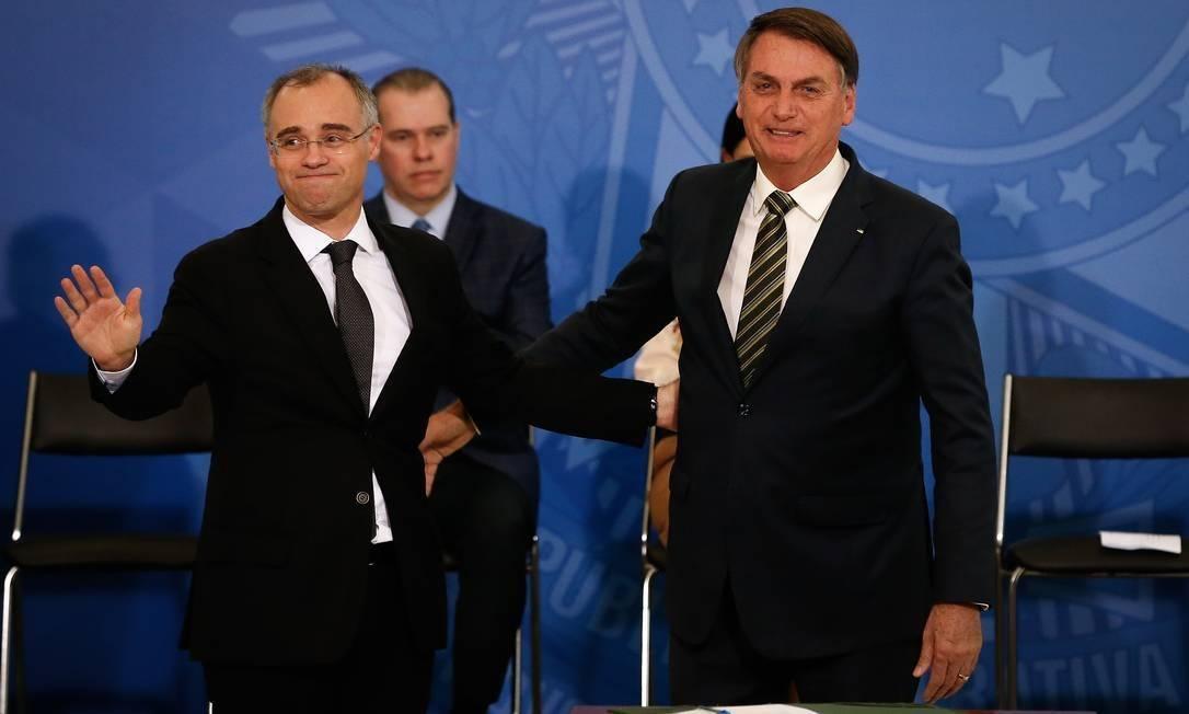Presidente Jair Bolsonaro e ministro André Mendonça Foto: Pablo Jacob/Agência O Globo