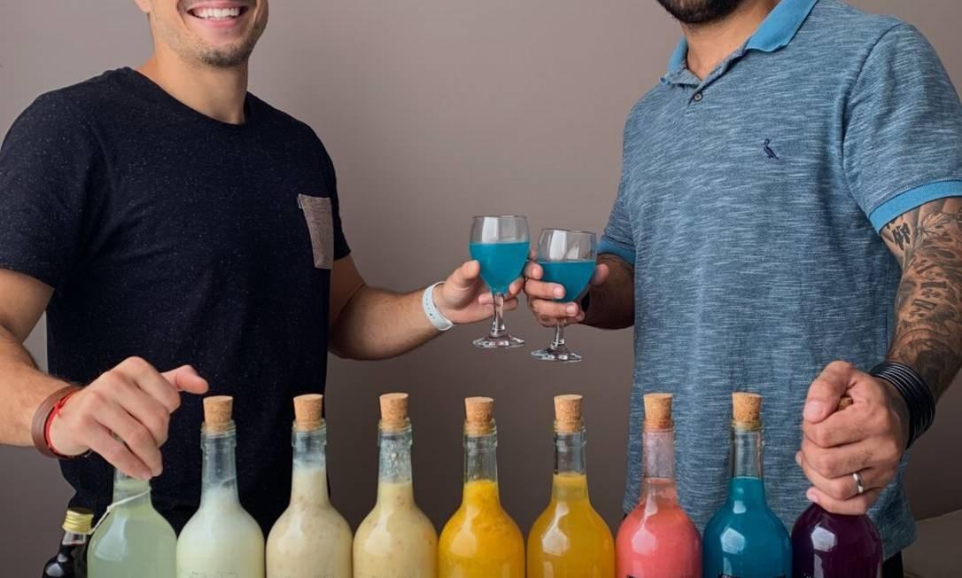 Bruno Guedes e Eduardo Marchetti, sócios fundadores da De Boa Drinks Foto: Divulgação / Divulgação