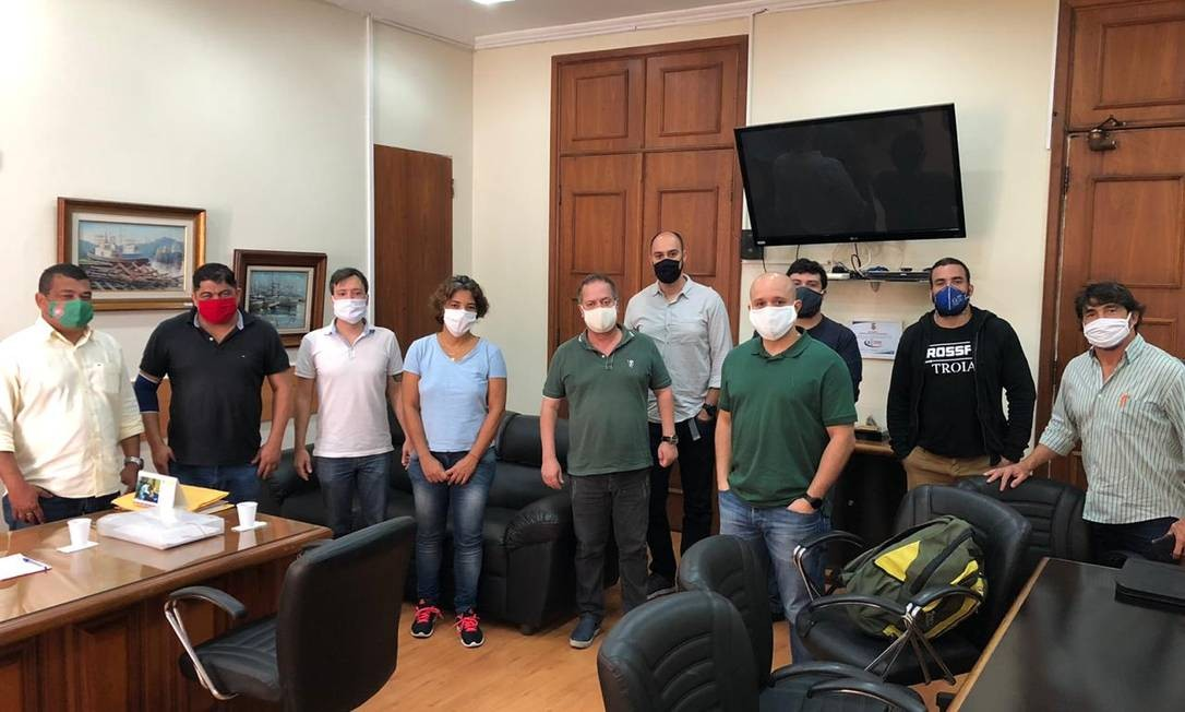Donos de academia em reunião na Câmara dos Vereadores de Niterói Foto: Divulgação