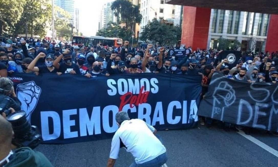 Corintianos se manifestam em defesa da democracia em São Paulo Foto: Reprodução