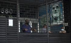 RI Rio de Janeiro (RJ) 01/06/2020 - Covid-19 - Decreto estadual deve autorizar a abertura de shoppings e comércio a partir do dia 8 de junho. Na foto, galeria fechada na avenida Visconde de Pirajá, em Ipanema. Foto de Márcia Foletto Foto: Márcia Foletto / Agência O Globo