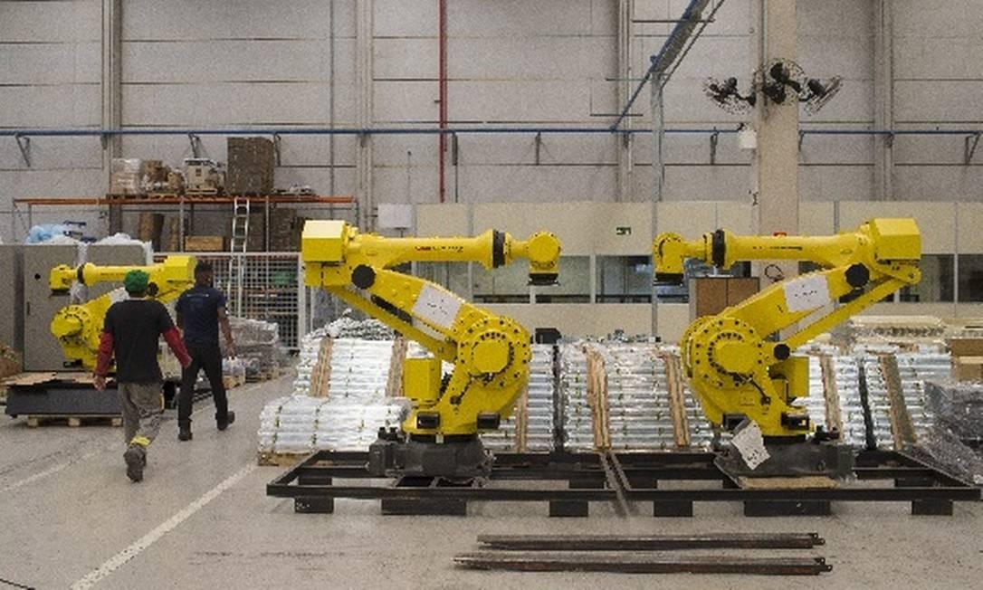 Entenda em 5 pontos por que a indústria do Brasil não se recupera