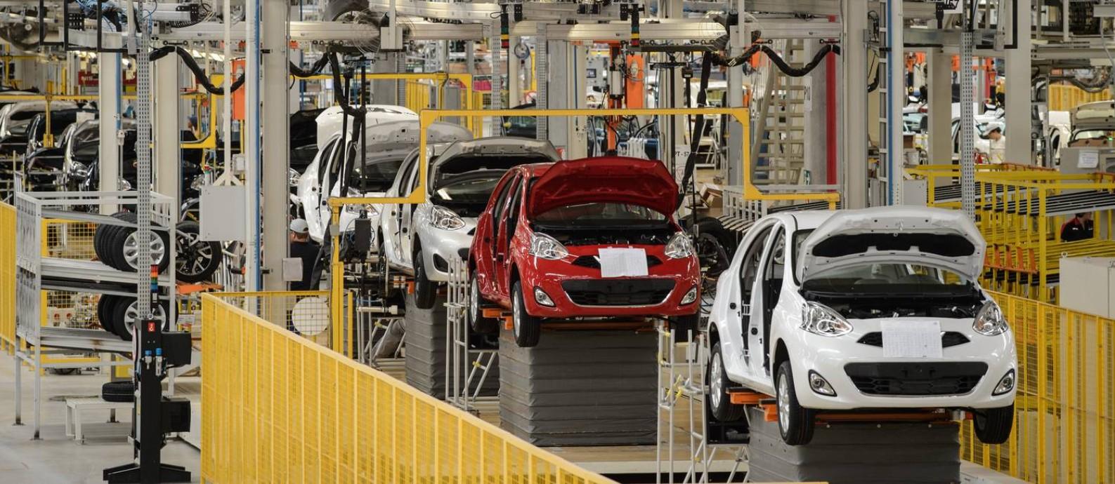 Linha de produção da Nissan, em Resende (RJ), com produção reduzida Foto: Yasuyoshi Chiba / AFP