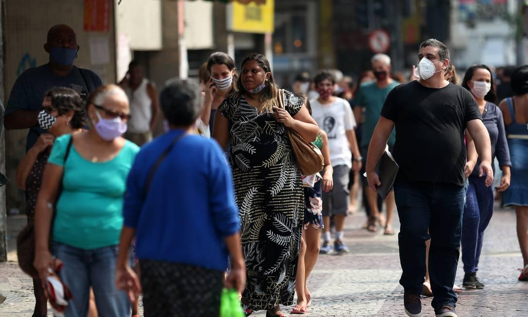 Movimentação no calçadão de Madureira 03-06-2020 Foto: Luiza Moraes / Agência O Globo