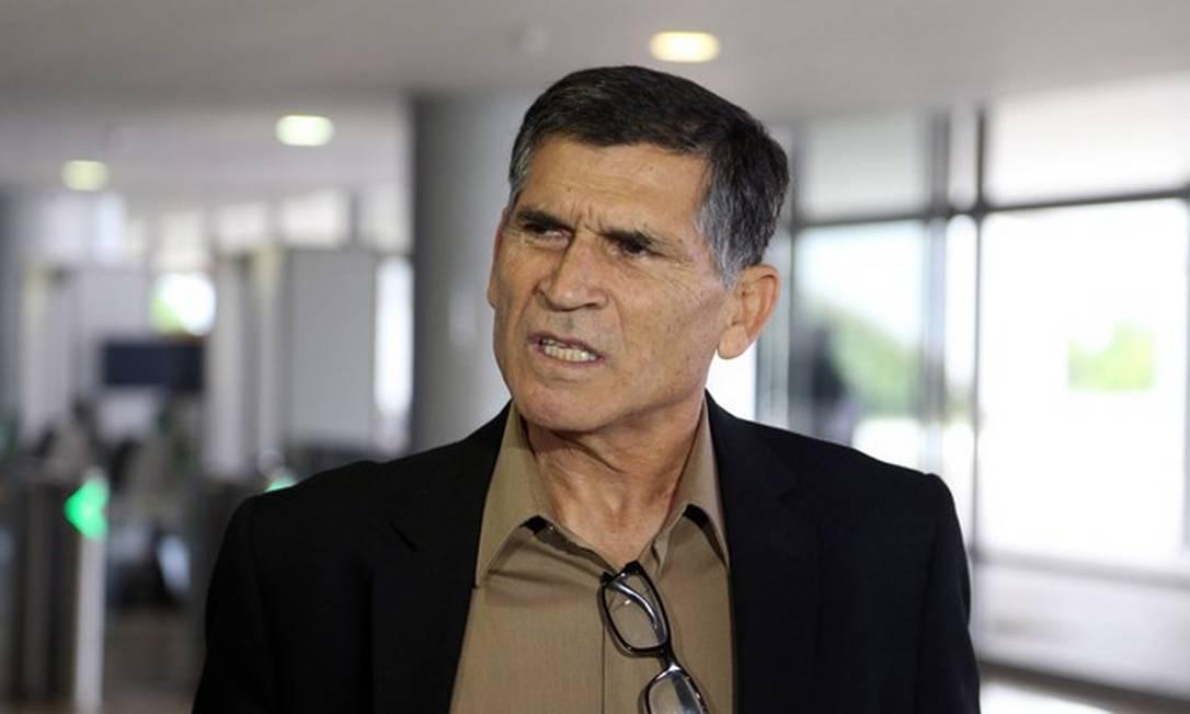 O ex-ministro Santos Cruz Foto: Givaldo Barbosa   Agência O Globo