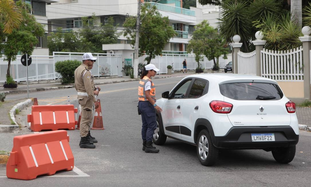 Abordagem volta a ser feita nos acessos aos bairros Foto: Divulgação/Berg Silva
