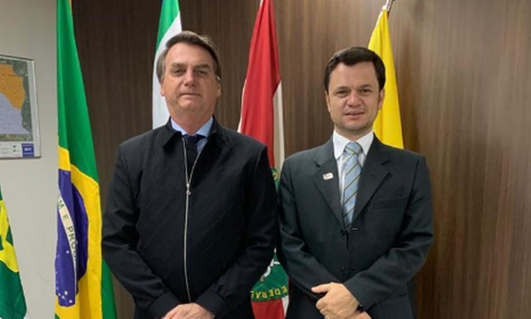 O presidente Jair Bolsonaro e o secretário de Segurança Pública do Distrito Federal, Anderson Torres Foto: Reprodução/Twitter